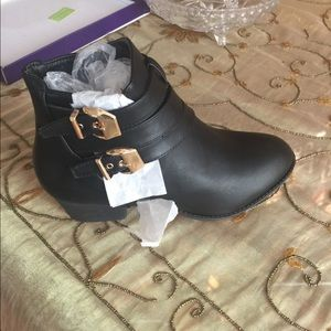New leather ankle booties